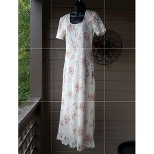 Dresses & Skirts - JBS LTD Long fully lined floral lace dress